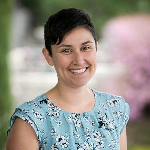 Sarah Toce headshot